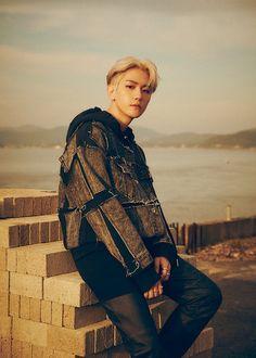 EXO : Photos et vidéos teasers de Baekhyun pour le comeback du groupe – K-GEN Baekhyun Chanyeol, Park Chanyeol, Kai, Chanbaek, Baekyeol, Exo Ot12, K Pop, Luhan And Kris, Jinjin Astro