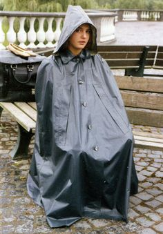 que du bonheur Girls Wear, Women Wear, Capes, Rain Cape, Rubber Raincoats, Rain Gear, Fashion Project, Future Fashion, Piece Of Clothing