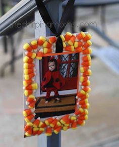 Free tutorial - Candy Corn Frame - easy craft for kids - via The Chirping Moms Halloween Crafts For Toddlers, Toddler Halloween, Halloween Crafts For Kids, Crafts To Do, Fall Halloween, Fall Toddler Crafts, Halloween Party, Frame Crafts, Daycare Crafts