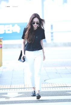 Post with 55 views. Korean Fashion Shorts, Korean Fashion Winter, Korean Fashion Casual, Winter Fashion Casual, Korean Street Fashion, Korean Outfits, Kpop Fashion, Fashion 2017, Asian Fashion