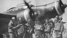 SIAI Marchetti and crews. Ww2 Aircraft, Military Aircraft, Italian Air Force, National History, Navy Ships, Aviation Art, Luftwaffe, World War Two, Warfare