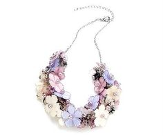 BEAUTIFUL LILAC CREAM PEARL GLASS BEAD CLUSTER FLOWER STATEMENT NECKLACE NEW