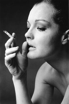 Portrait of Romy Schneider by Jean-Loup Sieff - Jean-loup Sieff Romy Schneider, Women Smoking, Girl Smoking, Le Smoking, Smoking Room, French Photographers, Portrait Photographers, Jean Loup Sieff, Don Corleone