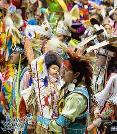 Pow Wow Photos – PowWows.com » » Grand Entry – 2014 Gathering of Nations
