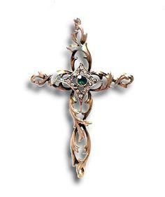 #Kreuz ist Kult... Dekorativ zu allem. Ob folkloristisch, ob schlichtes Top - dieses filigrane Kreuz mit #Smaragd und #Diamanten hat Ausstrahlung. Im Zentrum befindet sich um den rund facettierten Smaragd eine Raute aus Diamanten. Zweigartige #Ornamente bilden das Kreuz. http://schmuck-boerse.com/halsschmuck/71/detail.htm http://schmuck-boerse.com/index-gold-halsschmuck-3.htm