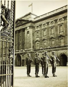 Buckingham Palace, London, WWII.