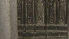Au pied de la Cathédrale de Tournai, un statuaire datant du 13e siècle montre des signes d'usure qui alarment certains citoyens. L'Unesco pourrait-elle en prendre ombrage ?