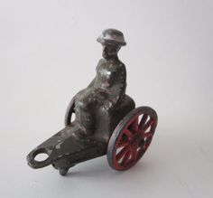Antique Vtg Barclay MANOIL LEAD TOY SOLDIER on Ammo Wagon Cast METAL FIGURE WW1