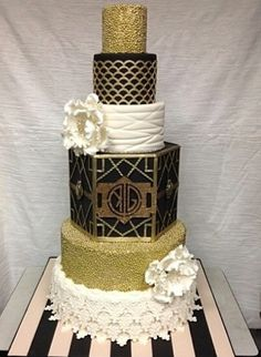 great gatsby wedding cake ideas great gatsby cake black white and gold and feather details 14928