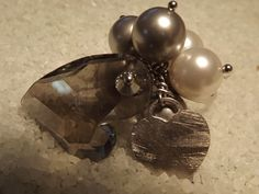 Urban Light : Anello in argento con perle e cuore grigio Swarovski