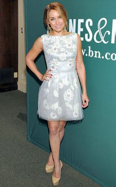 At a signing for her new book The Fame Game, L.C. opts for a floral Lela Rose dress, gold Anita Ko bracelet and nude Casadei pumps for a fresh and springy look. Cute!
