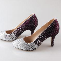 descubre el paso a paso para decorar Los tacones de tus #Zapatos con #strass #rhinestone de la marca que más te guste, como por ejemplo #swarovski    ¡ Manual DIY !