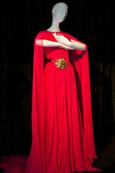 Los vestidos de las princesas Disney a subasta Jasmine by Escada