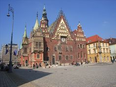 The best landmarks of Poland are many Gothic brick structures - such as churches and castles, Renaissance architecture and medieval wooden churches. Renaissance Architecture, Gothic Architecture, Cultural Events, Town Hall, 14th Century, Old Town, Barcelona Cathedral, Places To Visit, House Styles