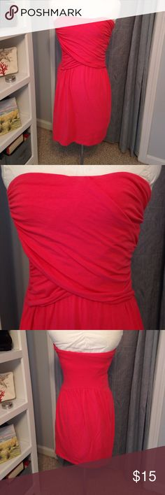 "🆕 Listing! Victorias Secret Strapless Coral Dress Figure-flattering strapless dress with built-in VS Bra Top.  Gorgeous bright coral color, so cute! Length is 25"" from back to bottom. Victoria's Secret Dresses Strapless"