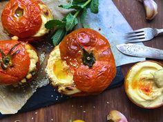 Pomidory to skarbnica potasu, który wpływa na obniżenie ciśnienia krwi; może także pozytywnie wpływać na Twoje serce. Idealne na surowo i pieczone.