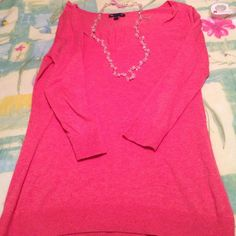 Very nice 3/4 sleeve Gap sweater, OBO Very comfortable 60:40 cotton rayon. Bundles save you more  Gap Sweaters V-Necks