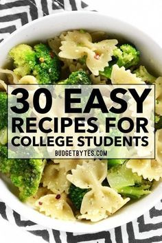 30 Easy Recipes for College Students to keep you full and energized while on the run! From breakfast to easy dinners and snacks, we've got you covered! # easy dinner recipes for college students 30 Easy Recipes for College Students Easy Recipes For College Students, Easy Meals For Kids, Meals For Two, Kids Meals, Easy Dinner For Two, Easy College Meals, Meals For Students, Healthy Student Recipes, College Food Recipes