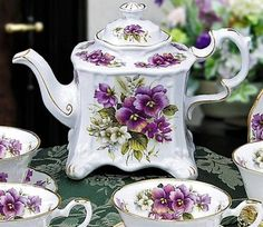 Tea pot and cups.