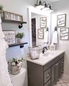 Magnificent Nice 47 Gorgeous Rustic Bathroom Decor Ideas to Try at your Apartment cooarchitecture.c… The post Nice 47 Gorgeous Rustic Bathroom Decor Ideas to Try at your Apartment cooarchite… ap . Upstairs Bathrooms, Master Bathroom, Mirror Bathroom, Bathrooms Decor, Gray Bathroom Decor, Bathroom Signs, Farmhouse Bathrooms, Decorating Bathrooms, Bathroom Colors