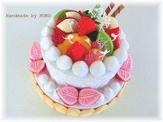 オーダーで製作したバースデーケーキです。 フォトスタジオさんからのご依頼です。撮...