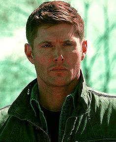 Dean 8x23 Sacrifice [GIF] <<HOW DARE THERE BE WIND CARESSING HIS HAIR