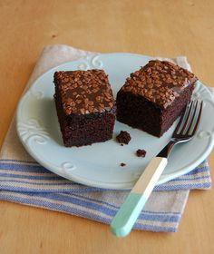 Bolo de chocolate de uma tigela só, ou Bolo Pinguinho - receita que merece ir para o caderninho
