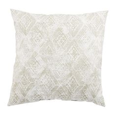 The Veranda collection brings chic summer vibes to both indoor and outdoor spaces. Drawing from worldly inspirations and indigenous tribal prints, the Darrow Fresco design offers bold visual texture to modern patios in a light gray and white colorway. Contemporary Style, Silver Pillows, Jaipur Rugs, Visual Texture, White Area Rug, Outdoor Throw Pillows, Tribal Prints, Indoor Outdoor, Courtyards