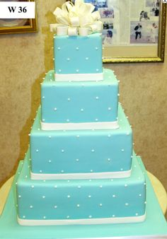 tiffanys wedding cake!