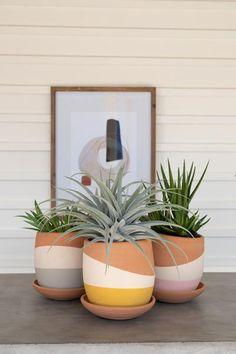 Painted Plant Pots, Painted Flower Pots, Paint Garden Pots, Decorated Flower Pots, Painted Pebbles, House Plants Decor, Plant Decor, Flower Pot Art, Flower Pot Design