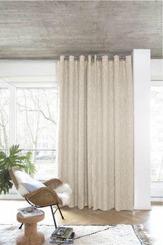 https://i.pinimg.com/236x/7d/31/2f/7d312ffc6391729562ac2bde484dff53--satin-curtains.jpg