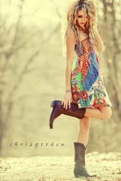 I always liked cowboy boots with a flowy dress - love the country look Mode Country, Country Girls, Country Style, Southern Style, Mode Style, Style Me, Hair Style, Looks Country, How To Have Style