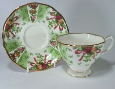 "Royal Albert ""Old Country Roses"" Ruby Celebration Green Damask"