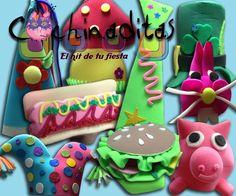 """En Cochinaditas """"El hit de tu fiesta"""" podrás encontrar los sombreros de hule espuma más divertidos de todos, conoce nuestro catálogo completo en nuestro sitio web. #LosMásDivertidos"""