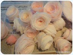 Now that you& had a couple days to dye your coffee filters , I imagine that your crafty little fingers are itching for more coffee-filter-. Rolled Paper Flowers, Paper Roses, Faux Flowers, Diy Flowers, Fabric Flowers, Flower Bouquets, Coffee Filter Roses, Coffee Filter Wreath, Coffee Filter Crafts