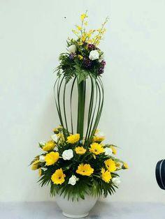Ikebana Flower Arrangement, Church Flower Arrangements, Church Flowers, Silk Flower Arrangements, Funeral Flowers, Flower Centerpieces, Flower Decorations, Flower Chart, Corporate Flowers