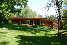 Lowell Walter House in Quasqueton, Iowa. 1950. Usonian Style. Frank Lloyd Wright.