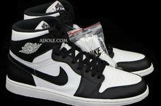 Air Jordan 1 – Black / White
