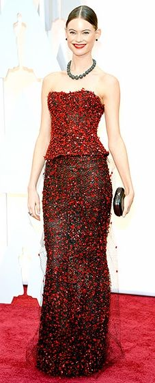 Adam Levine's ladylove looked regal in a sleek two-piece Armani Prive number with red beaded embellishments.