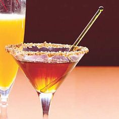 Every Day with Rachael Ray (November 2016): Pecan Pie Martinis