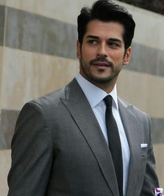 Image shared by Gizem. Find images and videos about ask, kara sevda and neslihan atagül on We Heart It - the app to get lost in what you love. Turkish Men, Turkish Beauty, Turkish Actors, Beautiful Men Faces, Gorgeous Men, Beautiful People, Handsome Actors, Handsome Man, Muscle Men