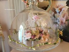 couronne, roses papier,Noël, couronne de fée Couronne Shabby Chic, Christmas Is Coming, Decoration, Craft Gifts, Snow Globes, Mixed Media, Blog, Roses, Crafts