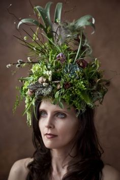woodland headpiece with succulents, staghorn fern, fiddleheads, hellebore, frittilaria, Françoise Weeks