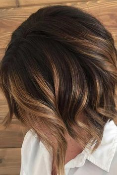 Gorgeous fall hair color for brunettes ideas (24)