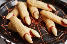 doigts de sorcière avec Thermomix, recette facile des petits sablés terrifiants pour Halloween au goût d'amande et à la confiture de framboise.