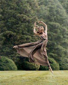 outdoor ballet portrait