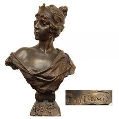"""E. VILLANES - """"Lucréce"""". Escultura em bronze representando figura feminina. 72 cm."""