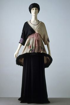 Sorbet, A Skirt And Tunic, By Paul Poiret    c.1912  -  The Victoria And Albert Museum