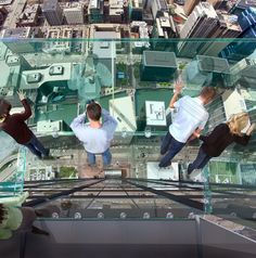 Transparent Balcony on 103 Floor Skyscraper the Sears Tower, Chicago