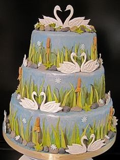 Groom's Cake but with pelicans instead of swans